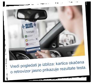 Naizmenični prikaz sa tekstom i tri statusne ikonice ispod. Jedna zelene, jedna žute, a jedna crvene boje. Polaroid slika sa desne strane na kojoj se vidi žena u automobilu koja drži svoje rezultate testa.